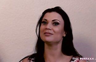 એક મોટી બૂબ્સ લાખો વાહિયાત અને તેણીની ક્રેમીડ રીઅલ એક્સએક્સએક્સ મૂવીઝ