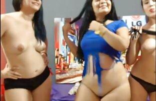 સેક્સી વળાંકવાળી છોકરીઓ બતાવે છે