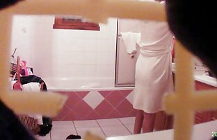 બાથરૂમમાં મમ્મી જાસૂસ