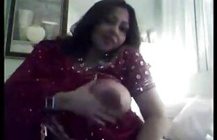 હોટ ભારતીય છોકરી તેના મોટા બબ્સ, બિગ શો બતાવે છે