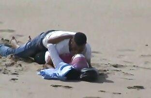 આરબી હિજાબ ગર્લ તેના બીએફ સાથે બીચ પર સેક્સ માણતી પકડાઈ હતી